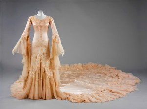 Silk satin wedding dress, designed by Norman Hartnell, 1933, given and worn by Margaret, Duchess of Argyll (Medium)