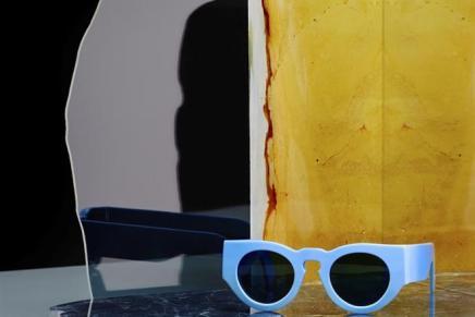 أطلقت إستوديوهات Acne مجموعتها الأولى من النظارات الشمسيّةلموسم