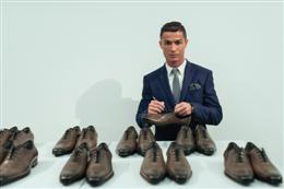 """رونالدو يطلق مجموعة جديدة من أحذيةCR7″"""""""