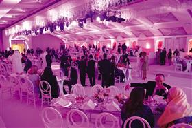 """""""الأسطورة"""" تشارك في حفل عشاء خيري دعماً لمرضىالسرطان"""