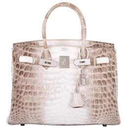 بيع حقيبة يد في مزاد كريستيز بنحو 300 ألفدولار