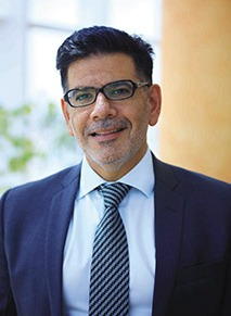 Dr. Naif Al Mutawa: العاشق للكتابة واكتشاف شخصياتالناس!