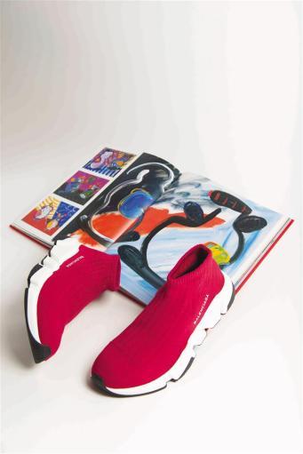 Shoes: Balenciaga, Thuraya Mall and Al Ostoura The Avenues