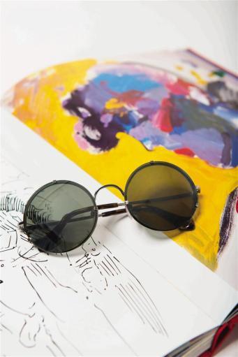 Sunglasses: Balenciaga, Thuraya Mall