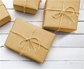 كل هدية ذهبية مع الطرفالأغر