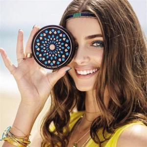 2d4077d4ba263 منتج آخر رائع يجب أن تشتريه قبل انتهاء الصيف وهو Patio Mediterranean 01   Belle Taint Mosaic Palette الرائع للغاية. أعتقد أن شمس برشلونة الساخنة  تلتقي مع ...