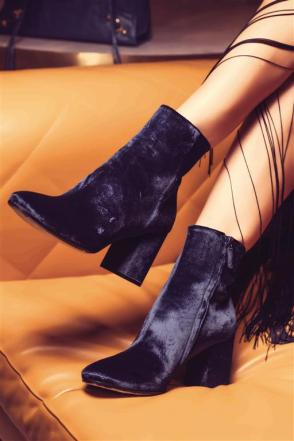 BOOTS: Balenciaga - Thuraya Mall, Al Ostoura The Avenues