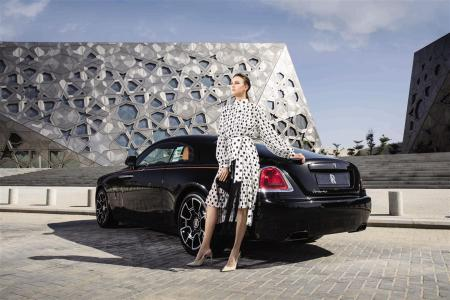 DRESS: ZIMMERMAN - Al Ostoura Mezannine Thuraya Mall BAG: VINTAGE CHANEL - What Goes Around Comes Around Thuraya Mall