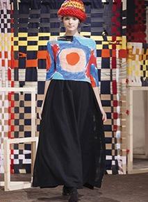 دانييلا غريغيز من حياكة الكروشيه الى تصميمالأزياء