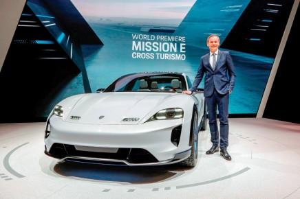 التقدم العالمي الأوّل لدراسة نموذجية عن أول سيارة بورشه هجينة متعدّدةالاستعمالات